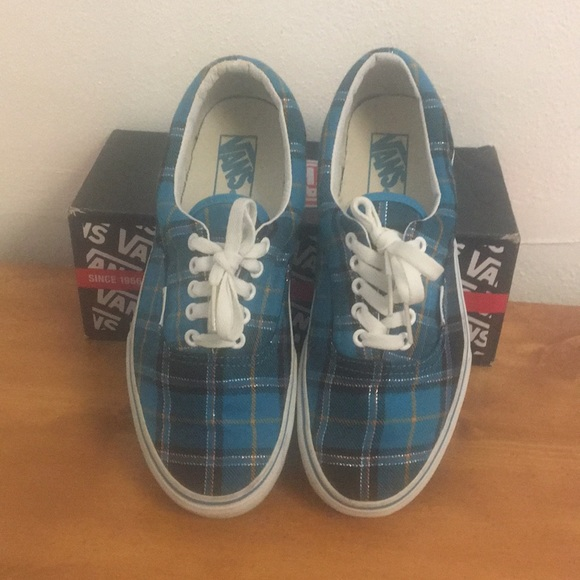 5a4daf8faa ... Authentic Era men s 8 wmn s 9.5. M 5ac28a2c84b5ce77c5adc35d
